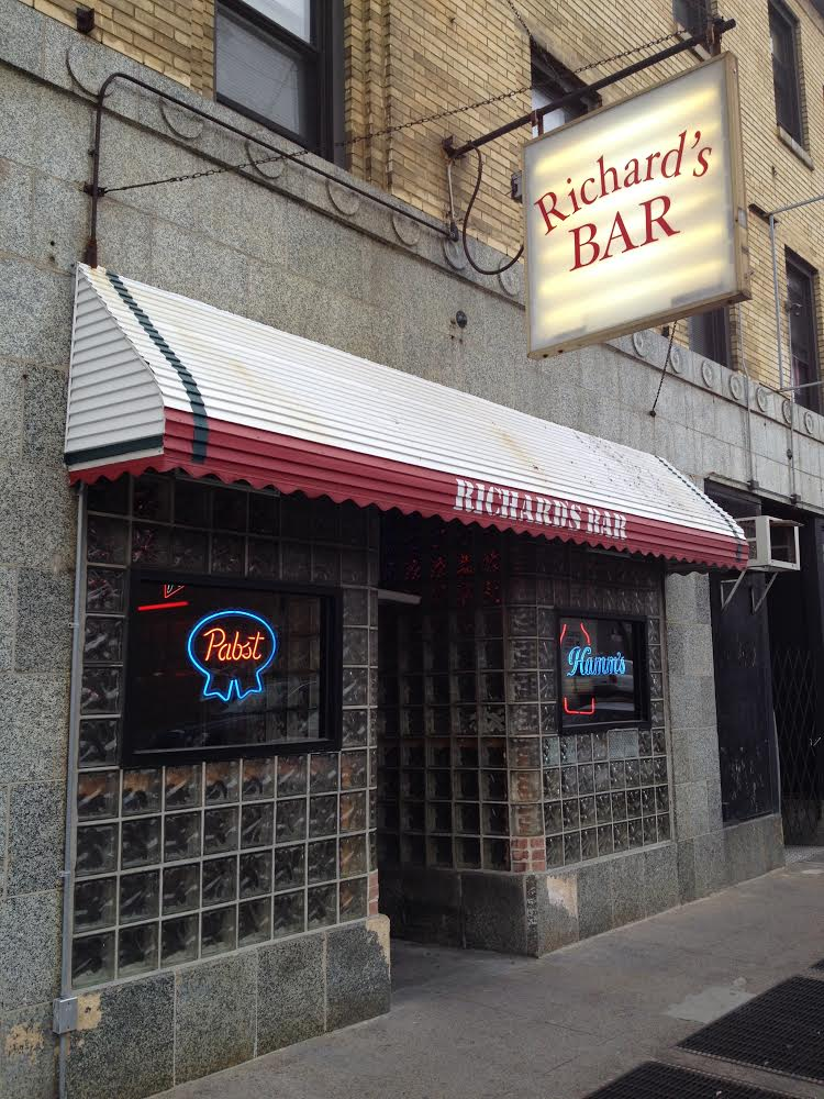 Richard's Dive Bar Chicago
